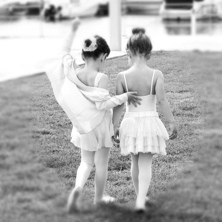 2 children dancing